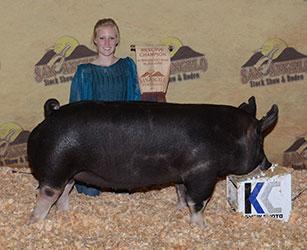 Kneese Showpigs :: Showpigs in Frederickburg, Texas